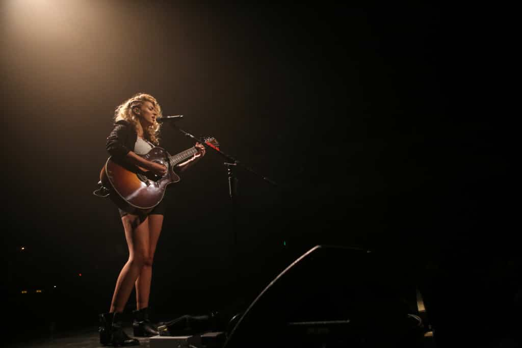 Tori-Kelly-RegencyBallroom-Music-Photography-Misti-Layne_10