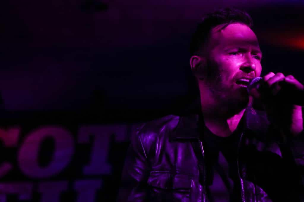 Scott Weiland Social-Hall-Misti-Layne_14